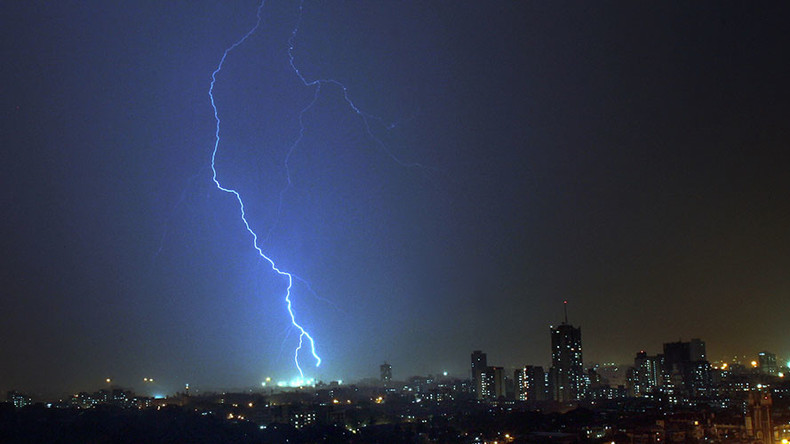 Nearly 100 killed by lightning strikes in India in 2 days (VIDEO)