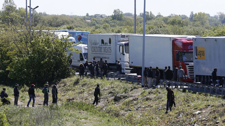 Brits kicked out of France for 'stoking tensions' between police & Calais migrants