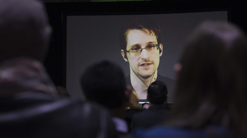 Edward Snowden's legal team to seek presidential pardon from Obama