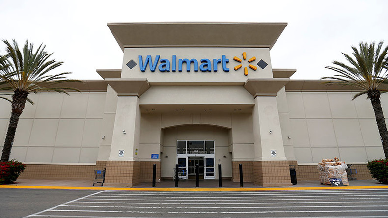 Armed bystanders pull guns to stop 'Western shootout' in Walmart parking lot