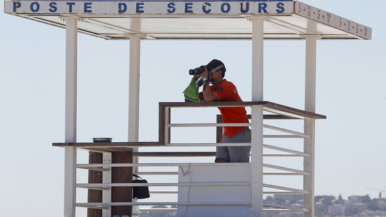 Is that a gun in your Speedo? Armed lifeguards to patrol French beaches