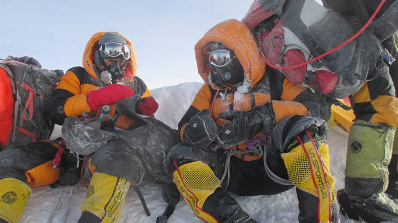 'First' Indian couple to climb Mt Everest accused of faking photos