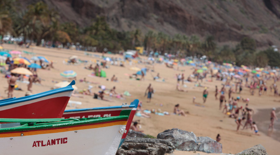 Huge blast rips trailer home apart on Tenerife beach (PHOTOS)