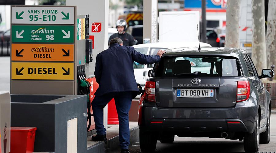 Saudi Arabia cuts European crude prices in increased competition with Iran