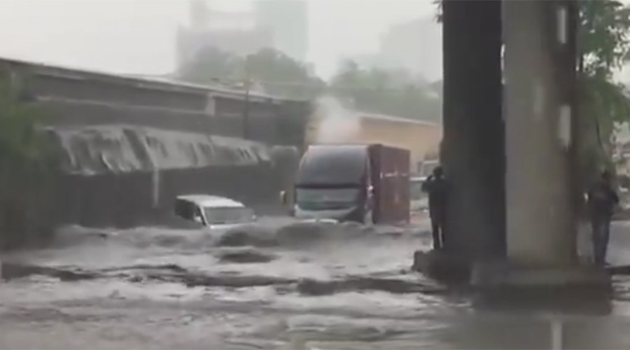 'We're swimming in our car!' Flash floods strike Russia's Black Sea coast (VIDEOS)