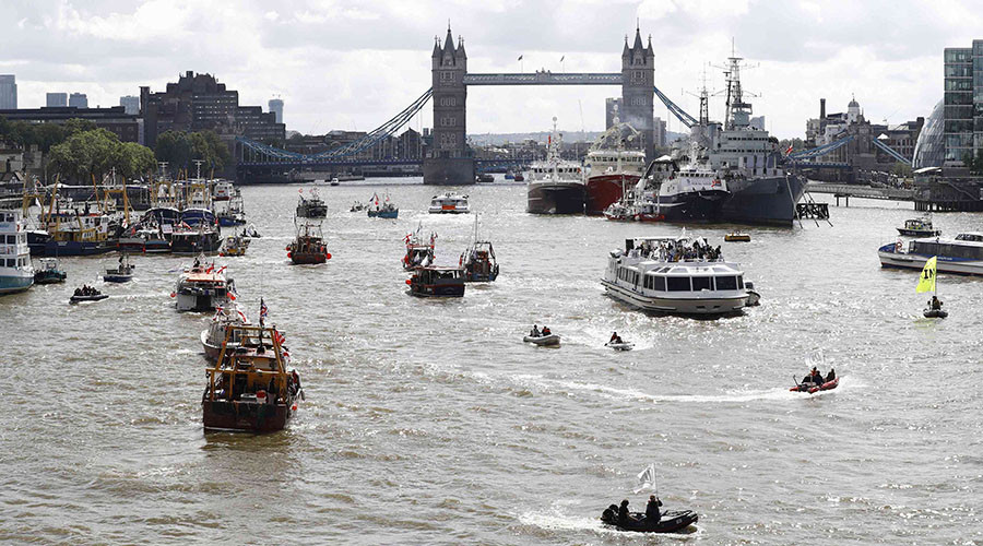 Our Daily Brexit: Boat Leave! Farage fights off Bob Geldof in Battle of the Thames