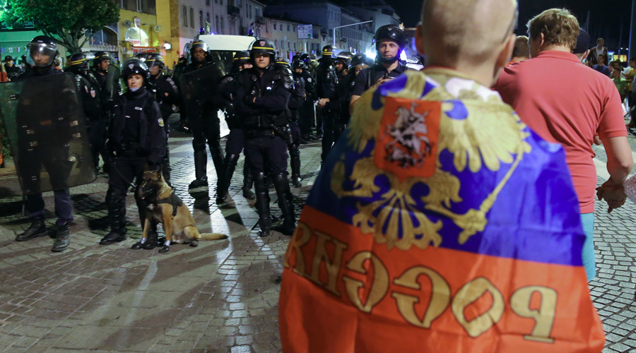 French authorities to deport 20 Russian football fans after Euro 2016 brawls