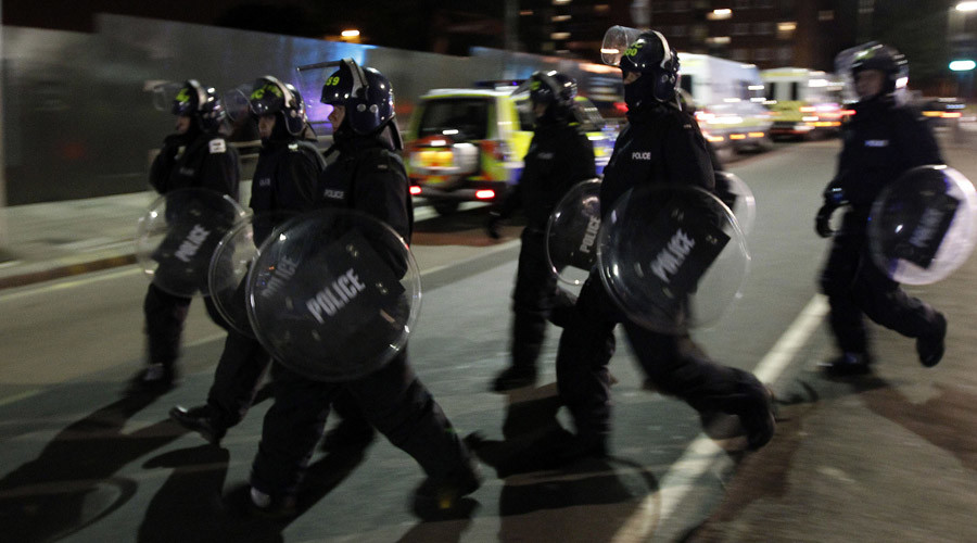 Armored police with dogs & helicopter reported quelling 'riots' in London's Barking