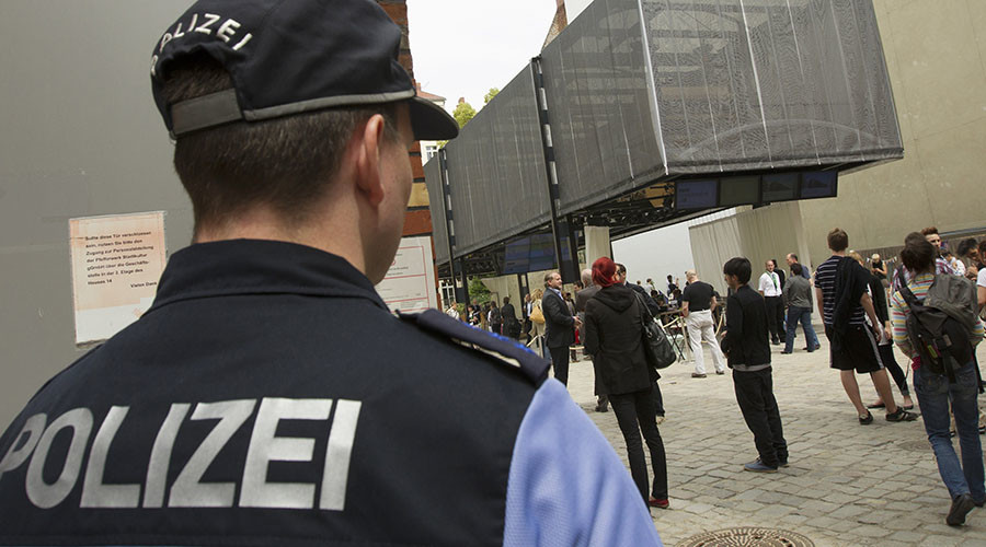 Germany wants intel services to have radicalized teens under watch