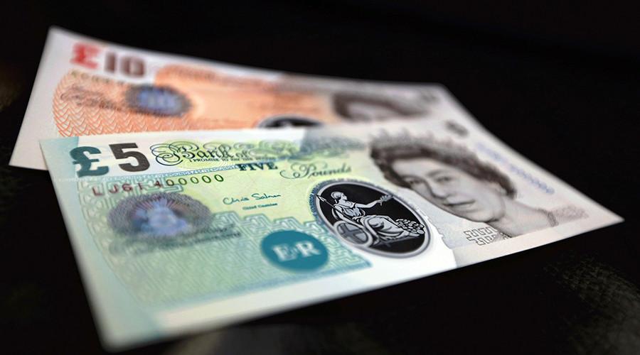 Pound plummets: London markets lose $164 billion in 10 mins