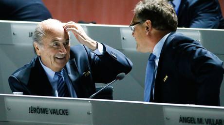 FIFA President Sepp Blatter (L) speaks with Jerome Valcke © Ruben Sprich
