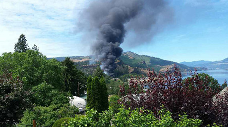 Oil train derails near Mosier, Oregon, smoke visible for miles