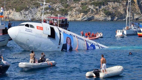 Turkey sinks old Airbus jet, creating artificial reef to keep diving tourism afloat (VIDEO)
