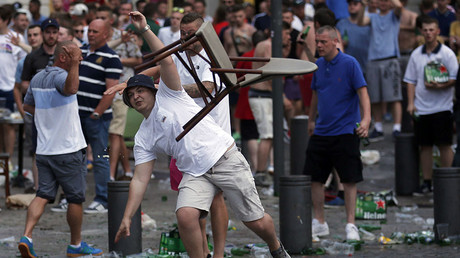 Alcohol banned at Euro 2016 fan zones, 'sensitive' areas after fan clashes