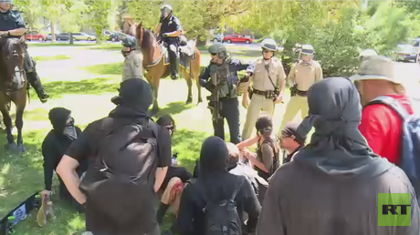 Multiple people stabbed at Sacramento far-right rally & counter-protest (VIDEO)