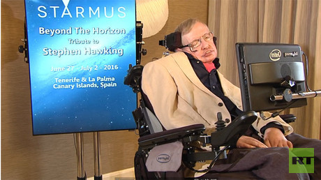 Rogue robots 'could be hard to stop' & 3 others things we learned from Stephen Hawking on Larry King