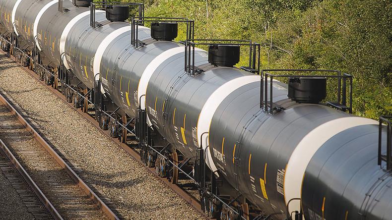 Caustic fracking chemical spills in San Antonio train derailment