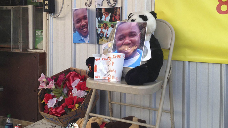 Officers involved in Alton Sterling shooting suspended, names released