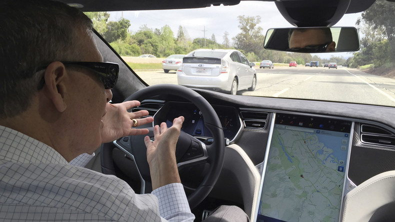 Tesla's Autopilot back in spotlight as 2nd self-driving crash reported