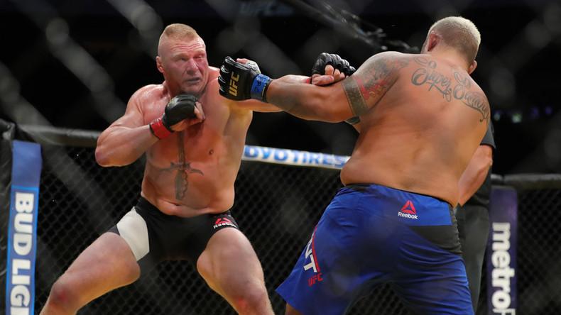 Brock Lesnar beats Mark Hunt in UFC 200 return