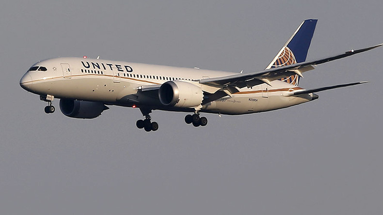 United Airlines flight UA929 London-Chicago makes emergency landing in Scotland