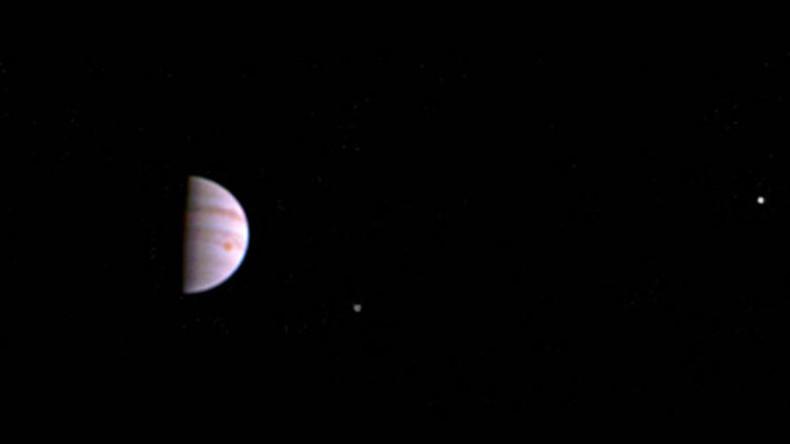 Juno delivers first Jupiter color image since entering orbit (PHOTO)