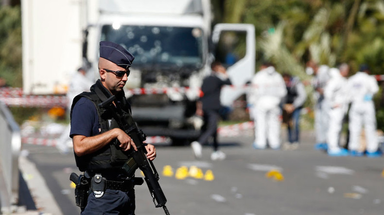Bomb squad blows up suspicious package found in truck in Nice