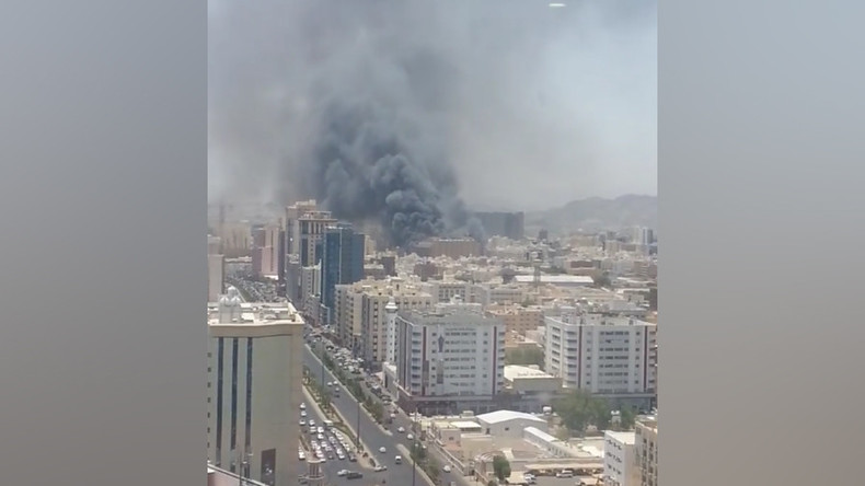 Huge fire at hotel in Mecca (VIDEOS, PHOTOS)