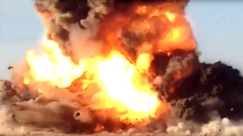 Iraqi forces blow up ISIS suicide truck heading for compound using RPG (VIDEO)
