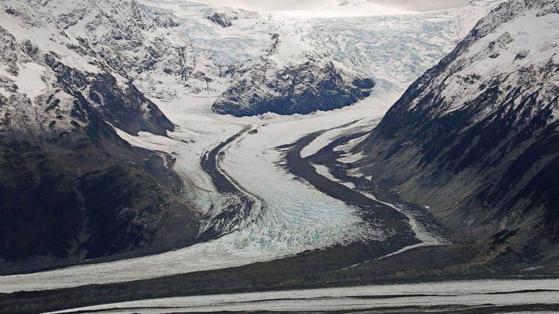 'Rolling wake': Widow takes husband's corpse on Alaskan road trip