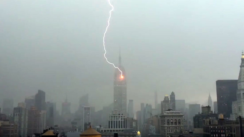 Dramatic moment Empire State Building struck by lightning bolt captured on camera (VIDEO)
