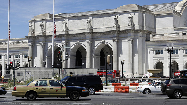 Bomb threat forces mass evacuation of DC Union Station during rush hour