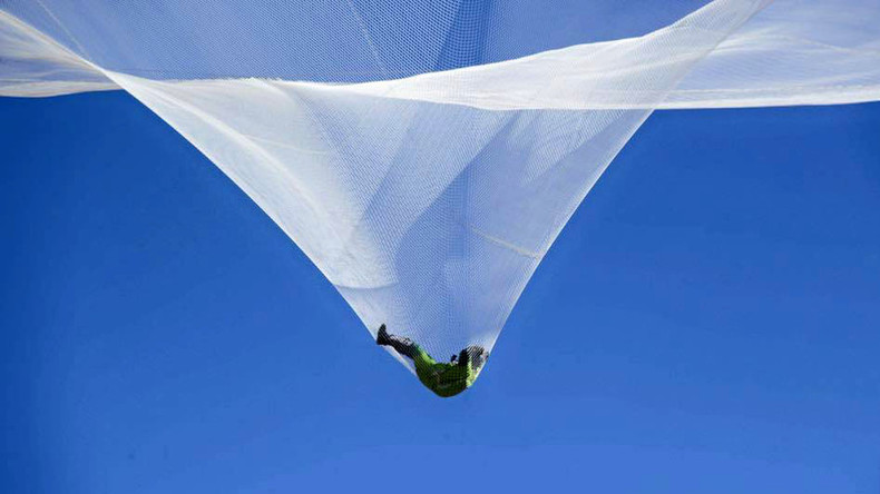 'History made': First ever no-parachute jump pulled off by veteran skydiver