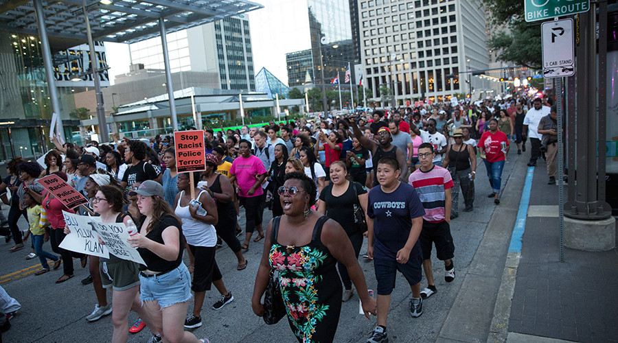 Protests breakout in response to #PhilandoCastile and #AltonSterling