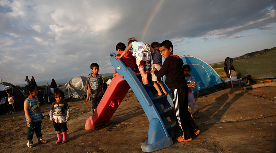 Almost 96,000 unaccompanied minors sought asylum in EU in 2015 – agency