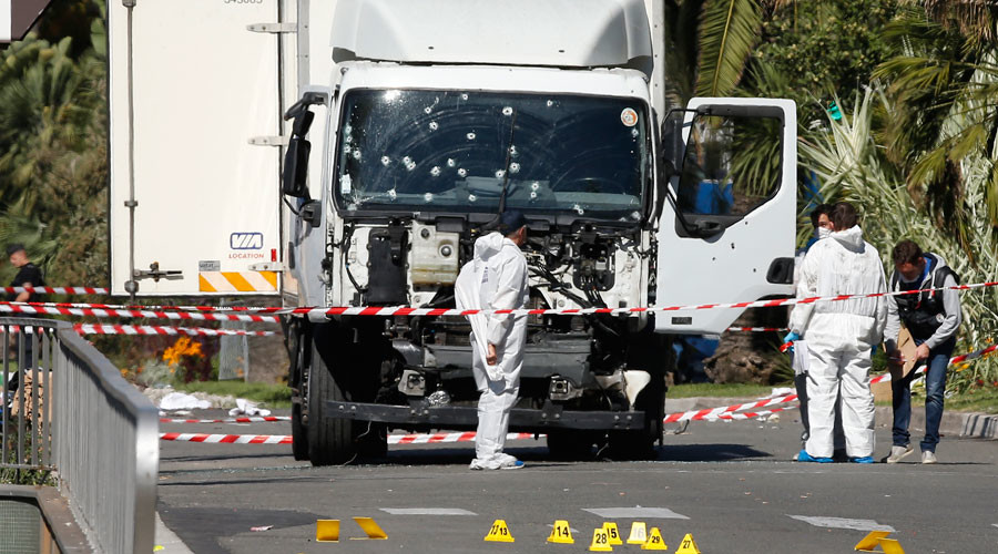 France vows to retaliate for Nice attack, extends state of emergency