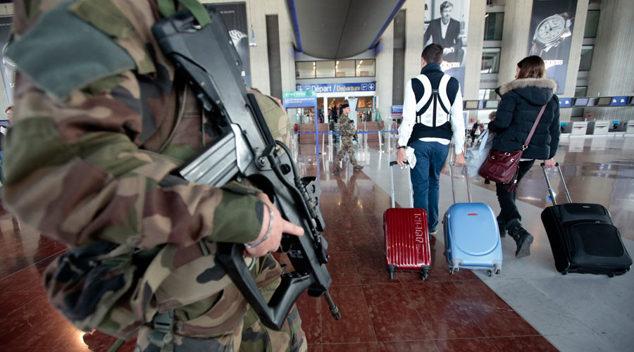 Nice airport briefly evacuated, troops deployed over unattended bag