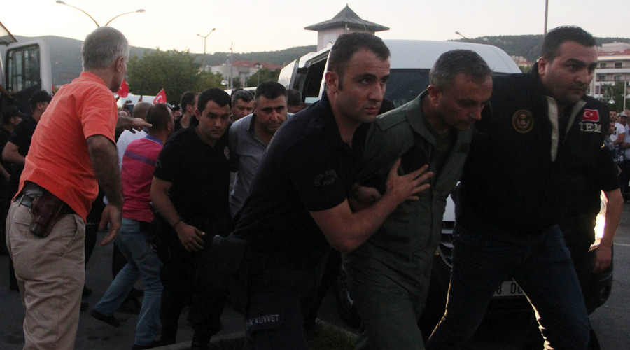 Arrests after coup attempt in Turkey