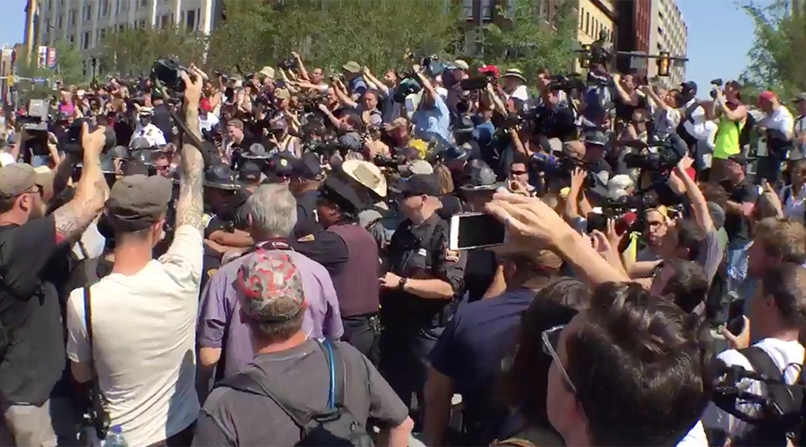 Scuffle breaks out between Alex Jones, RNC protesters in Cleveland (VIDEOS)