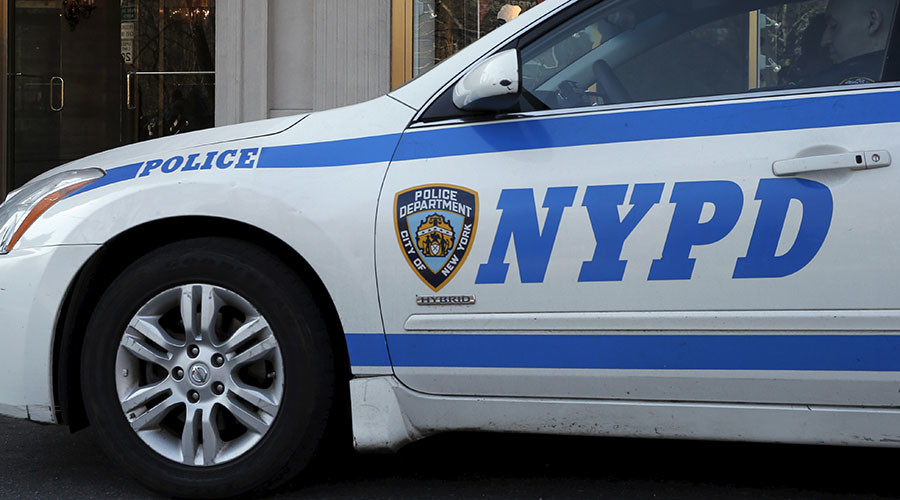 4 suspects at large after shooting near NYPD cops in Brooklyn
