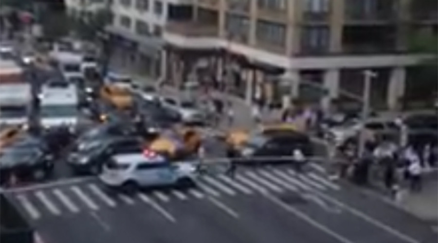 Suspicious package at Israeli consulate in Manhattan triggers lockdown, bomb squad response