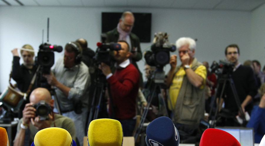 Turkey issues detention warrant for 42 journalists - reports