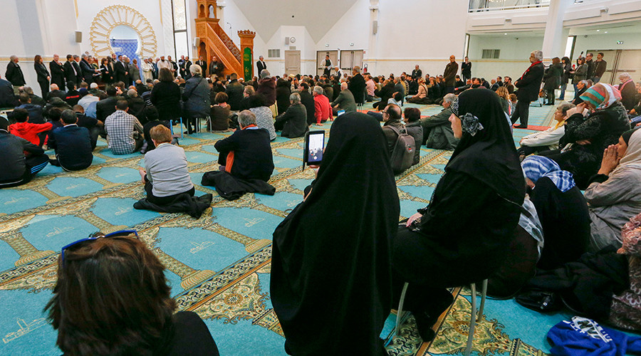 French PM open to temporary ban on foreign financing of mosques