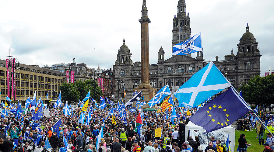 Scots rally for independence in Glasgow after Brexit vote