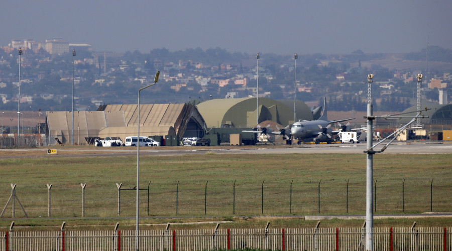 1,000s Turkish forces surround NATO's Incirlik air base for 'inspection' amid rumors of coup attempt