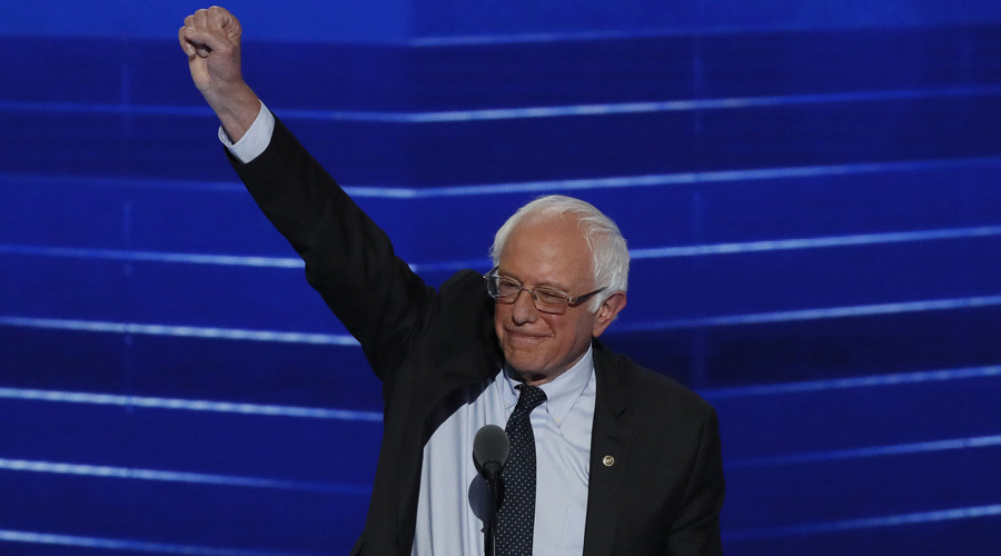 Sanders condemns Trump's Muslim statement with Holocaust reference