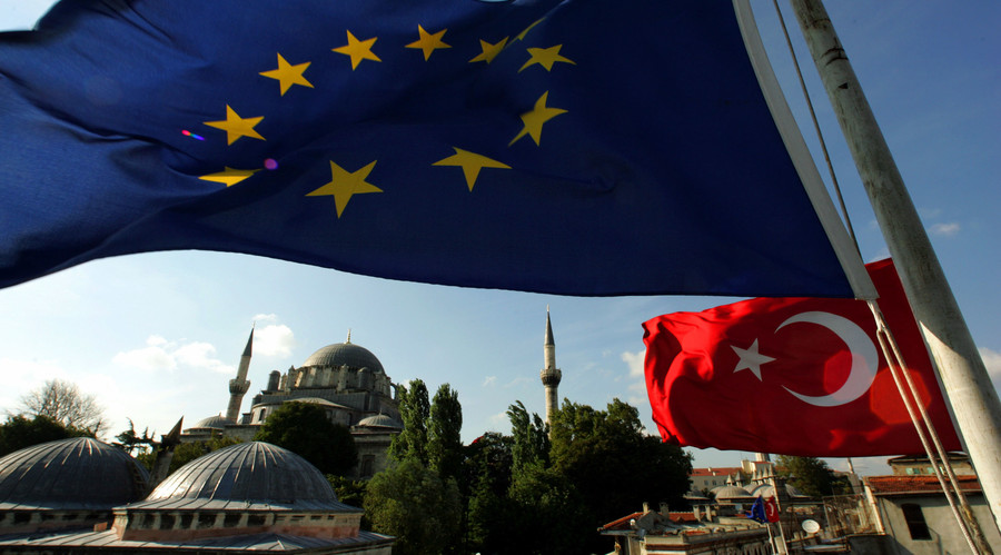 'Waiting until October': Turkey issues ultimatum to EU over visa-free travel