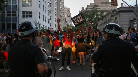 Phoenix police use tear gas on Black Lives Matter rally (PHOTOS, VIDEOS)