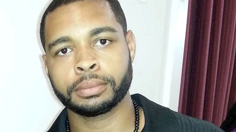 Micah Xavier Johnson, a man suspected by Dallas Police in a shooting attack and who was killed during a manhunt, is seen in an undated photo from his Facebook account. © Reuters