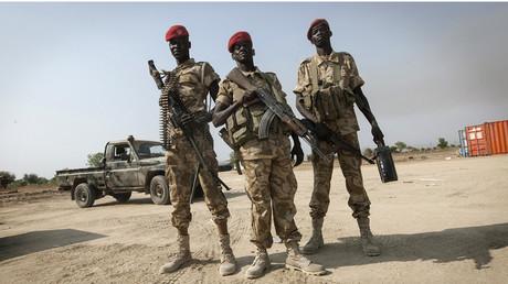 SPLA soldiers secure © Stringer